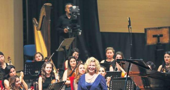 Müzik Festivali'ne Gülsin Onay'lı veda