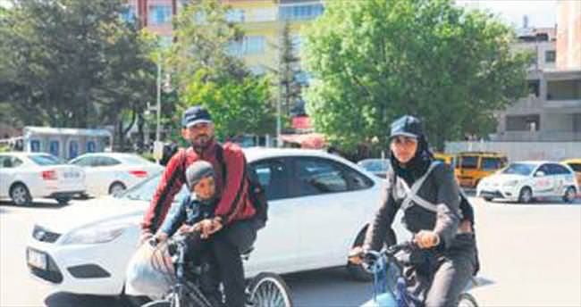 Suriyeli aile Cumhurbaşkanı Erdoğan için yollara düştü