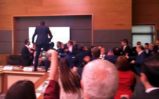 HDP'li milletvekilleri şimdi de komisyonu terk etti