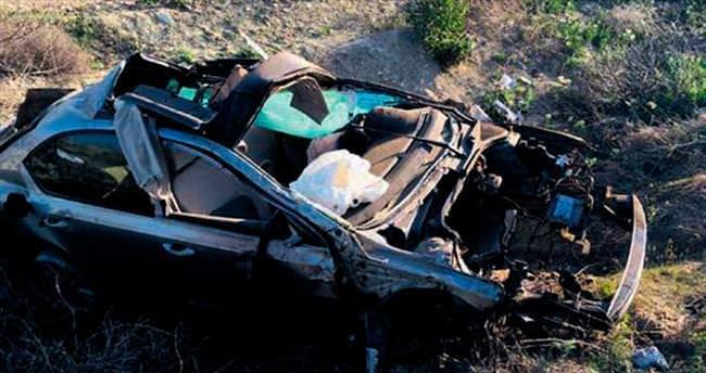 Tamir için bırakılan aracı çalan hırsızlar kaza yaptı