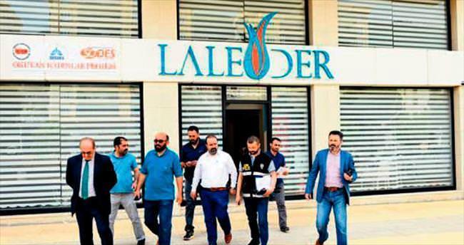 FETÖ'nün kadın yapılanması LALEDER'e baskın: 23 gözaltı