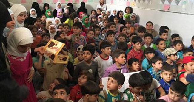Suriye'deki çocuklar Halep için dua etti