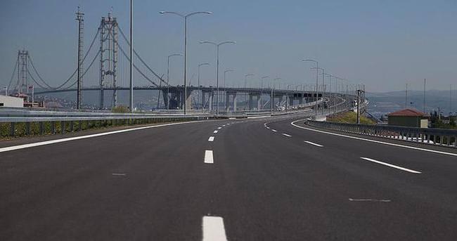 Osman Gazi Köprüsü'ne kavis verdiren 'kuş oteli'