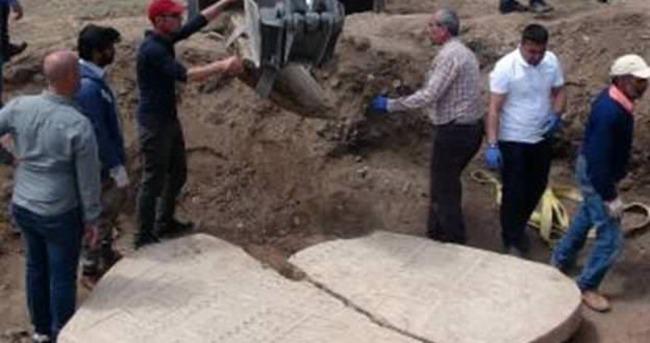 Elazığ'da 2 bin 700 yıllık rölyef tesadüfen bulundu