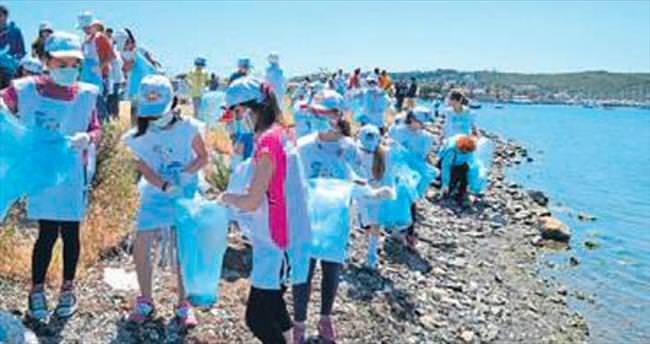 Seferihisar'da 114 kilo çöp toplandı