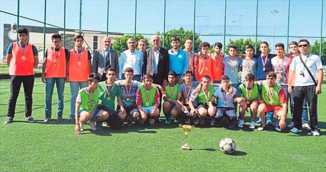 Seyfi Dingil: Gençleri spora teşvik etmeliyiz