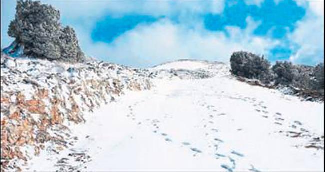 Denizli'ye mayıs ayında kar sürprizi