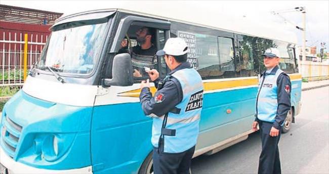 Tanıtım kartsız şoförlere ceza yağdı