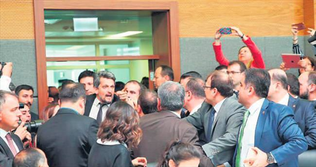 AK Parti'de dokunulmazlık seferberliği