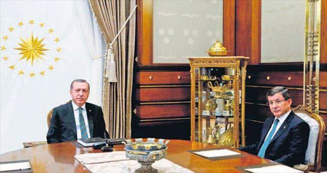 AK Parti'de kongre istişaresi