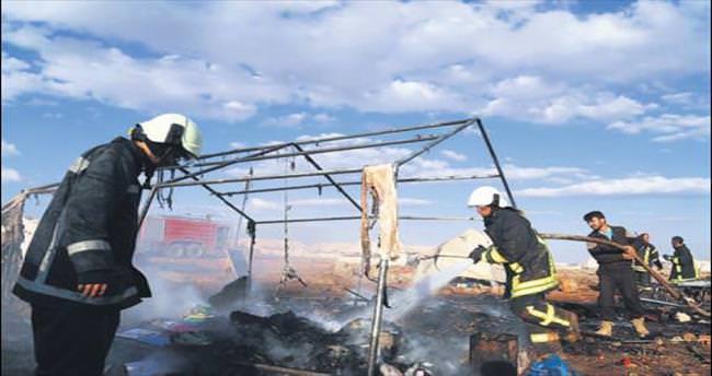 Esad güçleri çadır kenti vurdu: 27 ölü