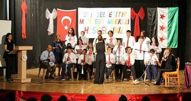 Suriyeli çocuklardan Esad'ı gönderme şarkısı