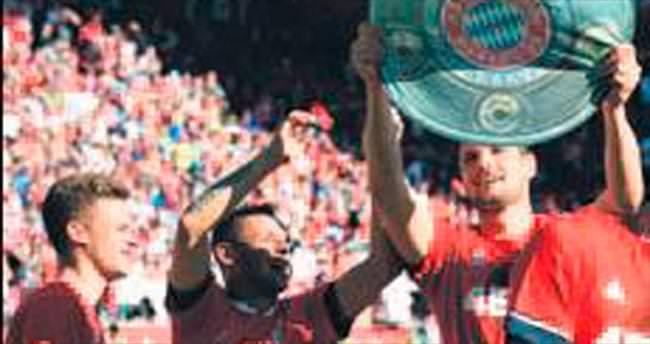 Bayern sonunda dörtlemeyi yaptı!