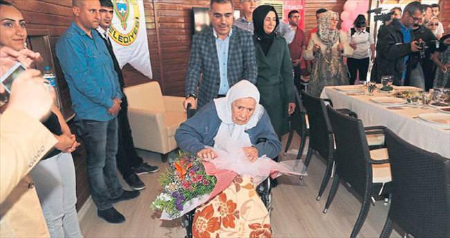 110 yaşındaki Fatma nineyi mutlu eden sürpriz kutlama
