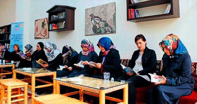 Kadınlar kitap okuma etkinliğinde buluştu