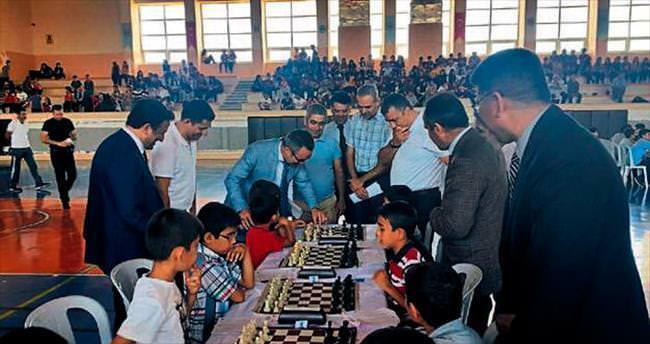 Sarıçam'da dev satranç turnuvası