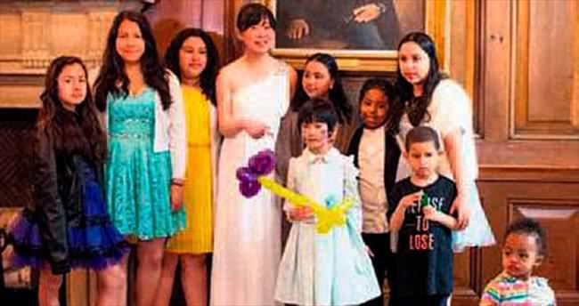 Düğünü iptal olunca çocukları davet etti