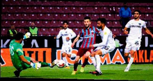Horoz öttü, Trabzon ateşte