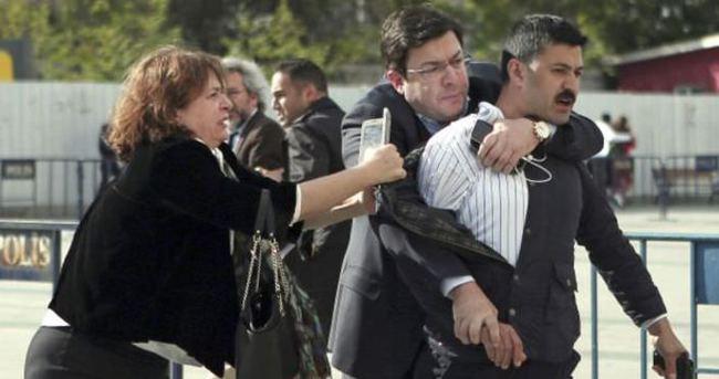 Can Dündar'a saldırı soruşturmasında ek gözaltı süresi