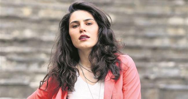 Serenay Aktaş'tan film müjdesi
