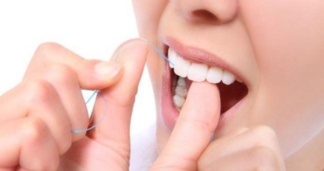 Sağlıklı dişler için fırçalama yeterli değil