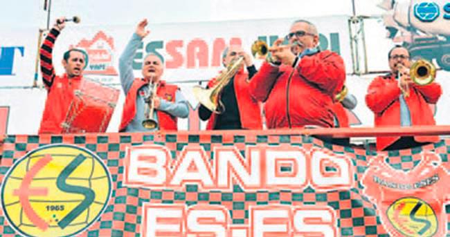 FRANSA'DA ES-ES BANDOSU!