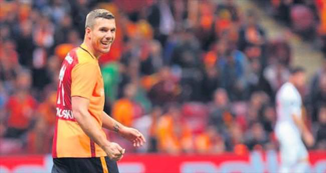 Poldi: 40 maç ta 22 gole katkı yaptım