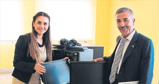 Başkan Soner Çetin'den üyelere hibe bilgisayar
