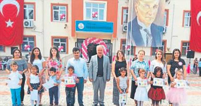 Aksu Karaöz'de renkli bir şenlik