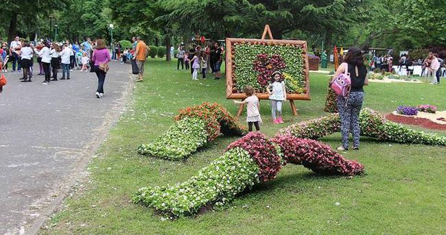 Üsküp'te çiçek festivali