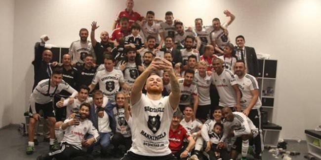Beşiktaş'tan şampiyonluk selfie'si