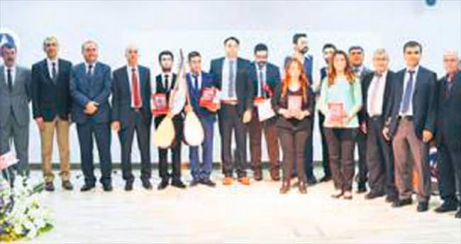 Üniversitede Ulusal Bağlama Yarışması