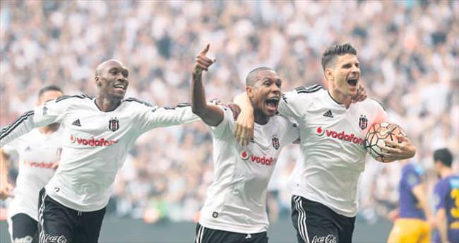 2 gol atan Marcelo ARENA'yı yıktı...