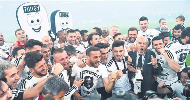 Şerefiyle, hakkıyla Şampiyon Beşiktaş
