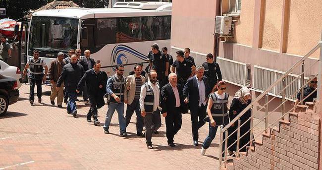 FETÖ/PDY operasyonunda 13 tutuklama