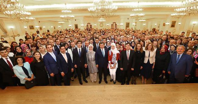 Başbakan Davutoğlu'ndan yakın çalışma ekibine veda