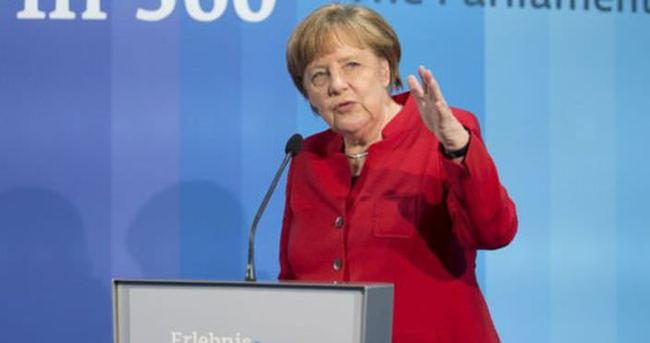 Almanya'dan mültecilere 4 yılda 93 milyar Euro