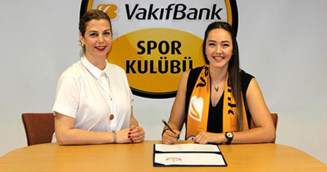 VakıfBank, Cansu Çetin'le nikah tazeledi
