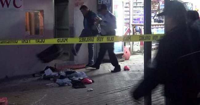 Şüpheli valizi açıp tekmeleyen esnaf gözaltına alındı