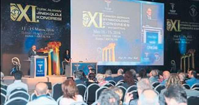Ünlü jinekologlar Antalya'da buluştu