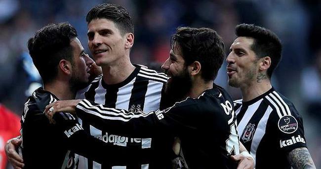 Beşiktaş'ın kutlamasında Fenerbahçe'ye olay sözler