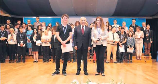 Genç bilim adamları Türkiye'de yarıştı