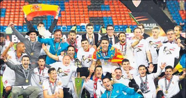 Sevilla'dan tarihi 3'leme