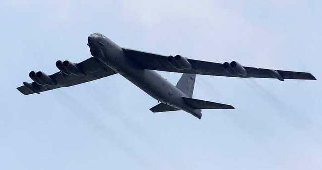 ABD bombardıman uçağı düştü