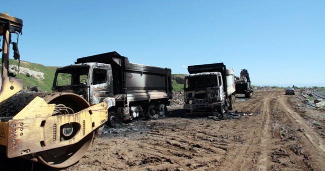 PKK'lı teröristler iş makinesi yaktı