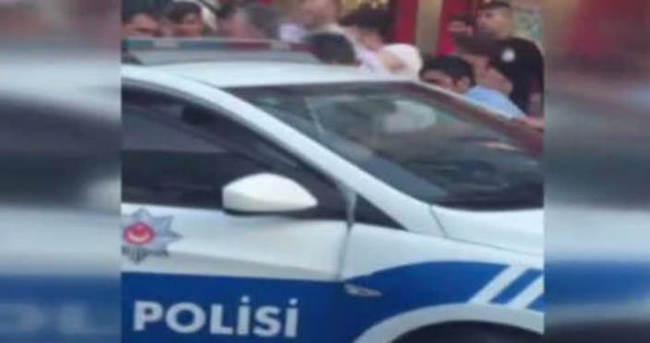 Polise linç girişimi o anlar kameraya böyle yansıdı