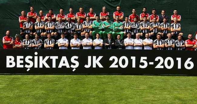 Beşiktaş'tan şampiyonluk pozu