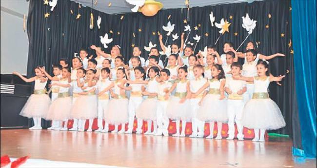 Adana Final Okulları'nın mini mini 1'leri okuyor