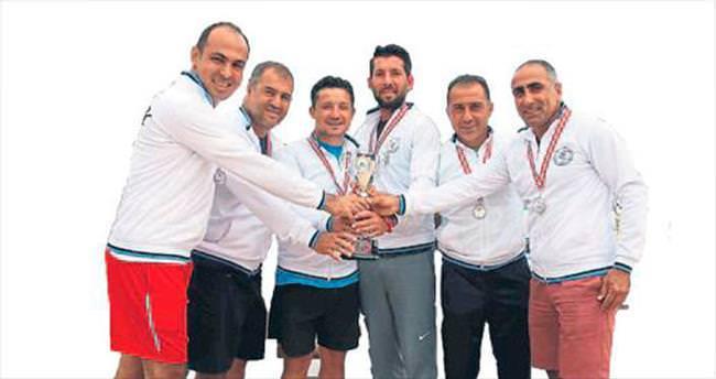 Kulüpler turnuvasında ATDSK'ya kupa