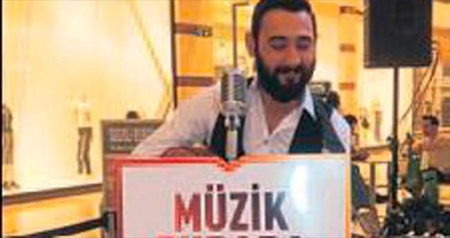 M1 Adana'da müzik ziyafeti